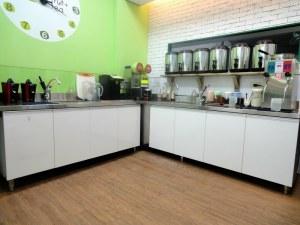 台中西區向上市場裡中美街上冷熱飲店所有設備9成新(頂讓)頂讓由www.ican168.com阿甘創業加盟網提供